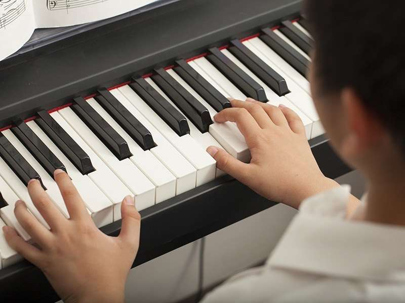 6 tips to learn how to play a musical instrument