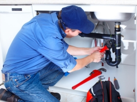 How to choose a plumber to avoid unpleasant surprises?