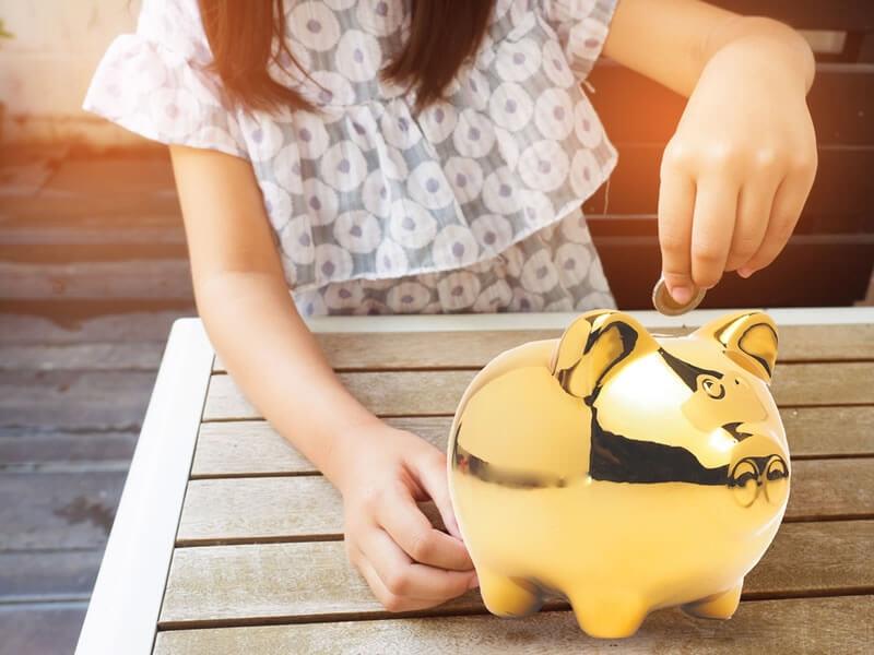 Compte bancaire : en ouvrir un à votre enfant ?