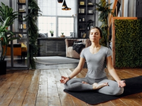 Yoga: 8 postures to do at home