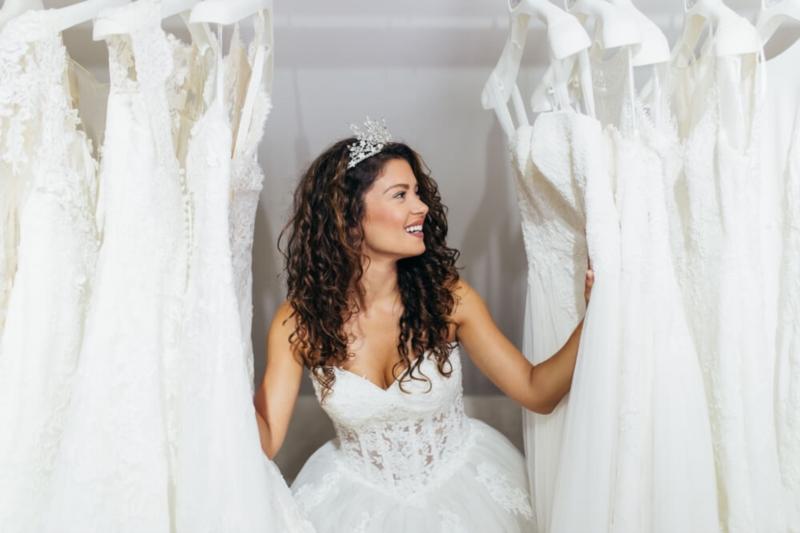 8 goldene Regeln, um Ihr Hochzeitskleid auszuwählen