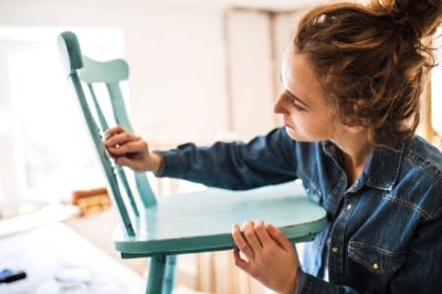 Relooker un meuble avec la patine à l'ancienne