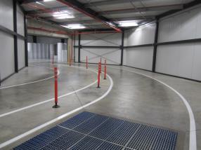 Construction couloir bâtiment industriel